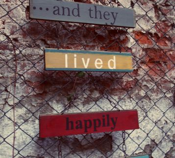 ... and they lived happily ever after... Duvar Panosu - Tabela