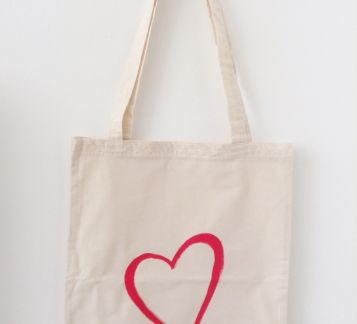 heart tote bag (by hülya özdemir)