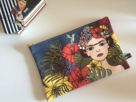 illaki frida clutch 2
