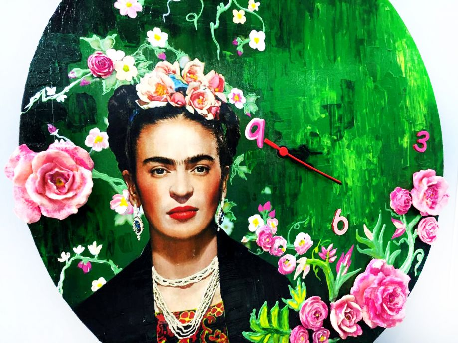 frida kahlo short answer It's a funny scene, but the filmmakers' respect for kahlo's art comes through we did a lot of research into frida's life and her painting, and what she was trying to express, said.
