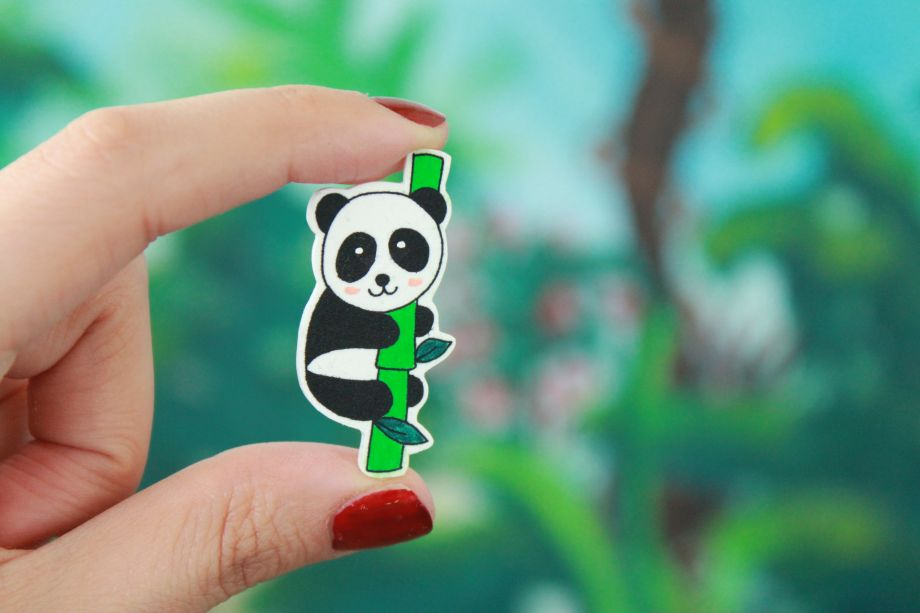 Panda on Bamboo Broş