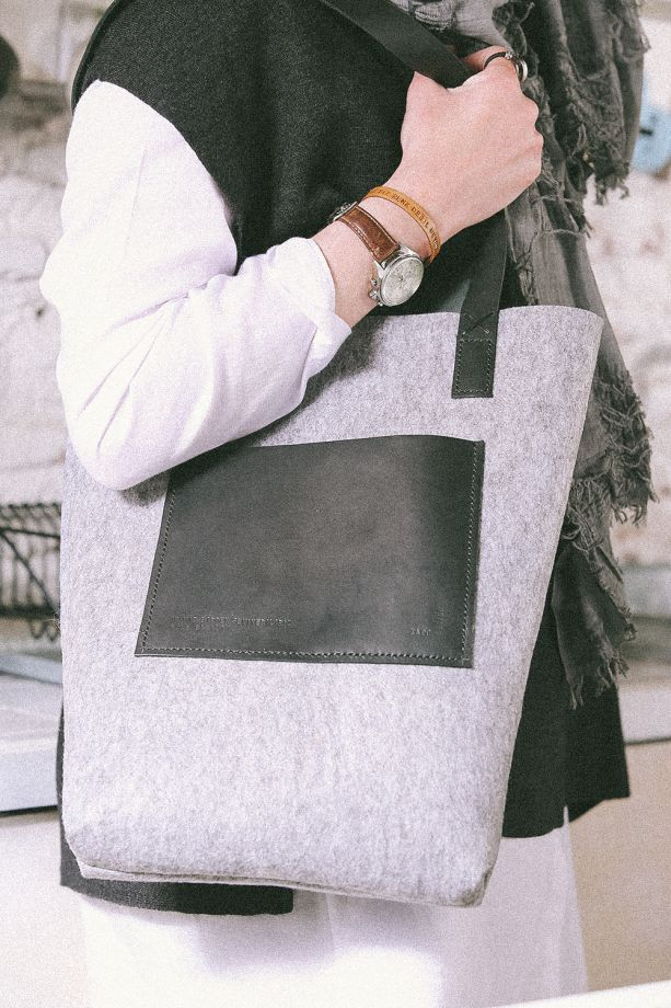 Şiirli Deri Keçe Massenger Çanta / Leather Massenger Bag