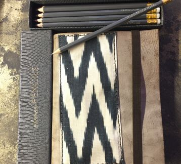 clever PENCILS & ikat NoTebook