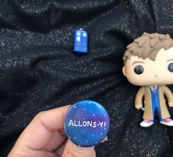 Doctor Who-Allons-y Broş