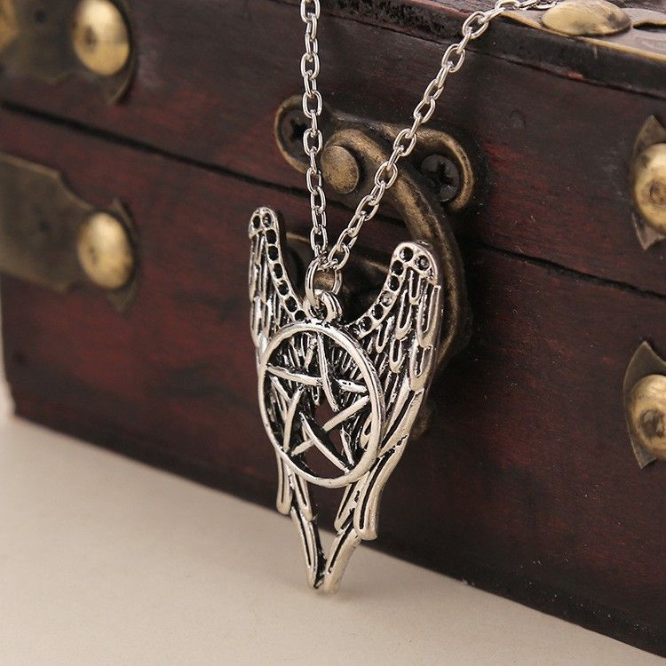 Supernatural  Star Wings Ward Evil Amulet Pentagram kolye